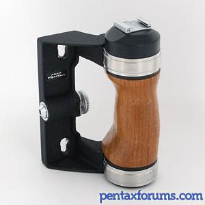 Pentax 6x7 Grip