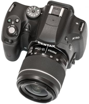 Pentax K-50: front view