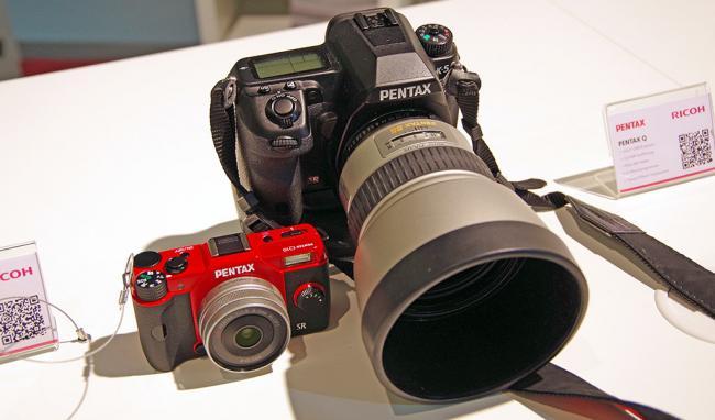 Q10 vs Pentax K-5 Size