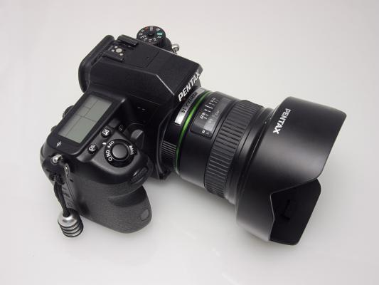 Pentax 14mm F2 8 Vs Rokinon 14mm F2 8 Review Design And