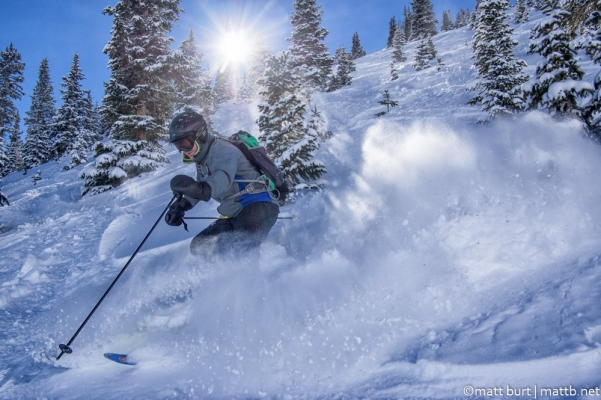 Powder skiing at Silverton Mountain