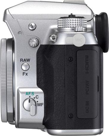 PENTAX K-5 Silver Edition Limitée + DA 40mm f/2.8 XS Silver K-5_Silver_DA40mmXS-L_press_xh456