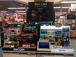 PENTAX/Ricoh store presence in Tokyo, Aug/2016.