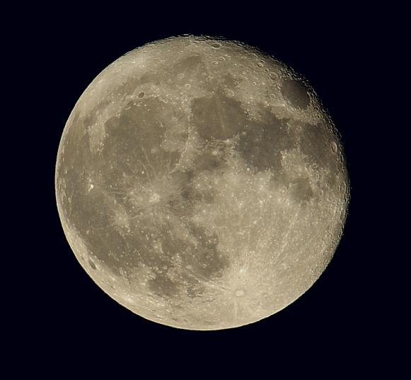 Name:  IMGP8491 moon 1.jpg Views: 687 Size:  29.2 KB