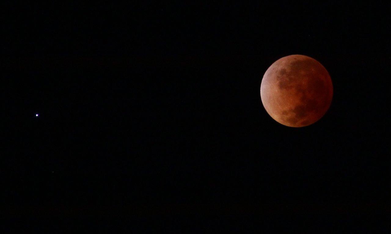 Name:  eclipseLunar-15-04-2014.jpg Views: 676 Size:  31.3 KB