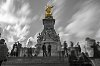 -busy-buckingham-palace.jpg