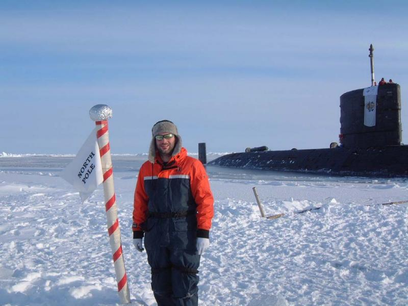 Name:  Nick_at_The_North_Pole_1.jpg