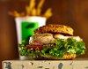 -biscuit-grilled-chicken-sandwich-con-papitas.jpg