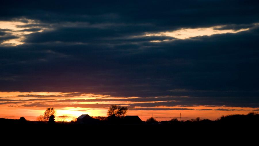 Name:  SunsetBarn20100418_0111.jpg Views: 209 Size:  32.9 KB