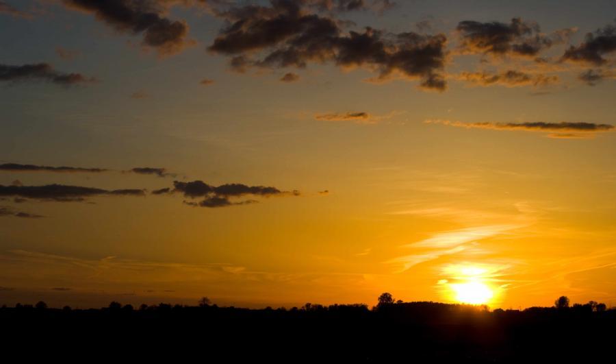 Name:  Sunset20100426_0378.jpg Views: 178 Size:  28.9 KB
