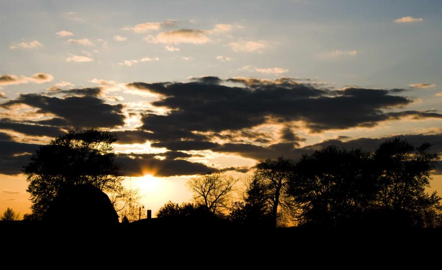 Name:  Sunset&Barn20100427_0313.jpg Views: 201 Size:  55.3 KB
