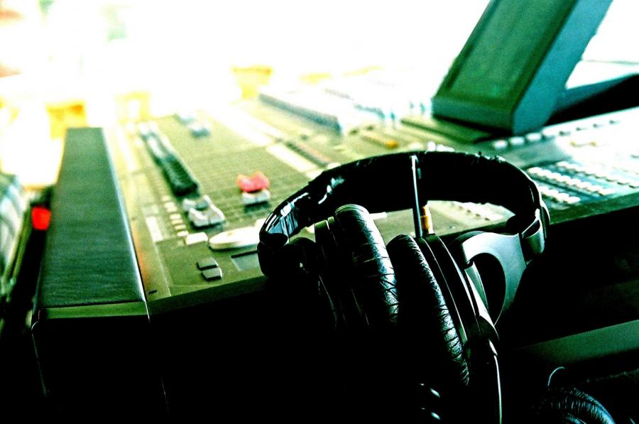 Name:  headphones_w_5D.jpg