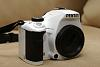Pentax K-x White with 18-55mm Kit Lens (CONUS)