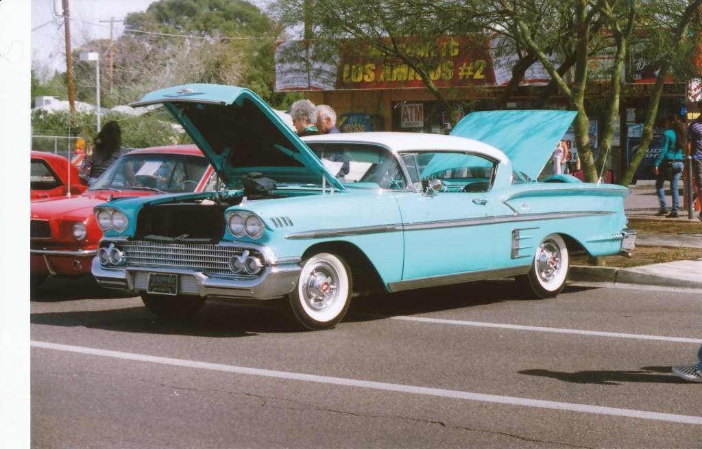 '58 Chevy Impala SV with the Viv Tele-Zoom 85-205 KMax100 film - Phoenix 7th Ave. Street Fair March 5th, 2011