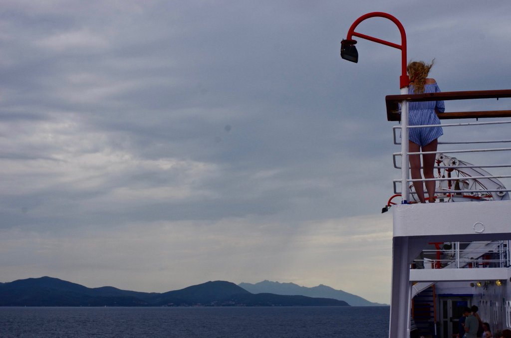 Sailing to Elba
