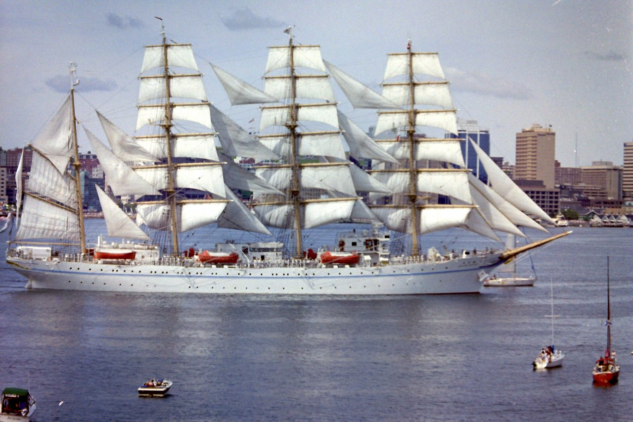 tall ships parade of sail 2000 halifax 04 ns sailor 39 s. Black Bedroom Furniture Sets. Home Design Ideas