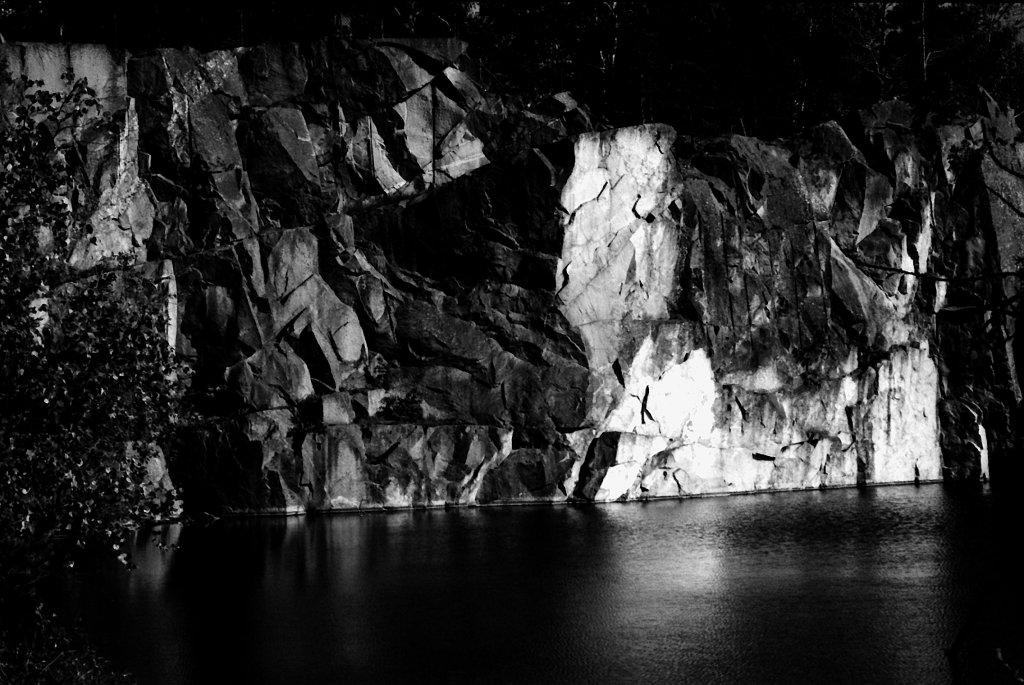 IMG 0022 The abandoned stone quarry in Stenhamra, Ekerö