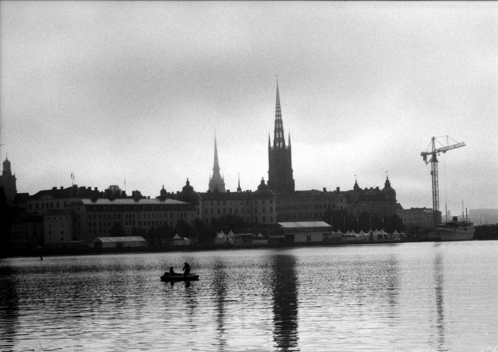 early morning in Stockholm, lx, neopan 400@800, M 100mm 2,8