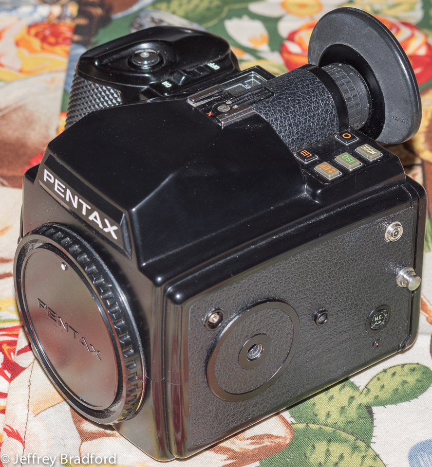 Pentax 645 battery holder - Battery Compartment Is Clean Battery Holder Is Intact And Not Broken Batteries Not Included Takes Six Aa Batteries