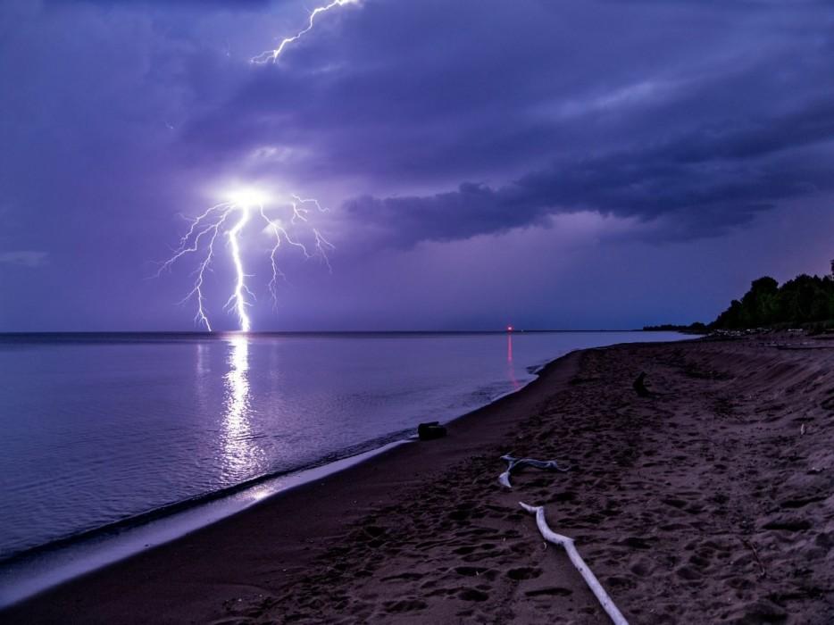 Lighting strikes on Lake Superior