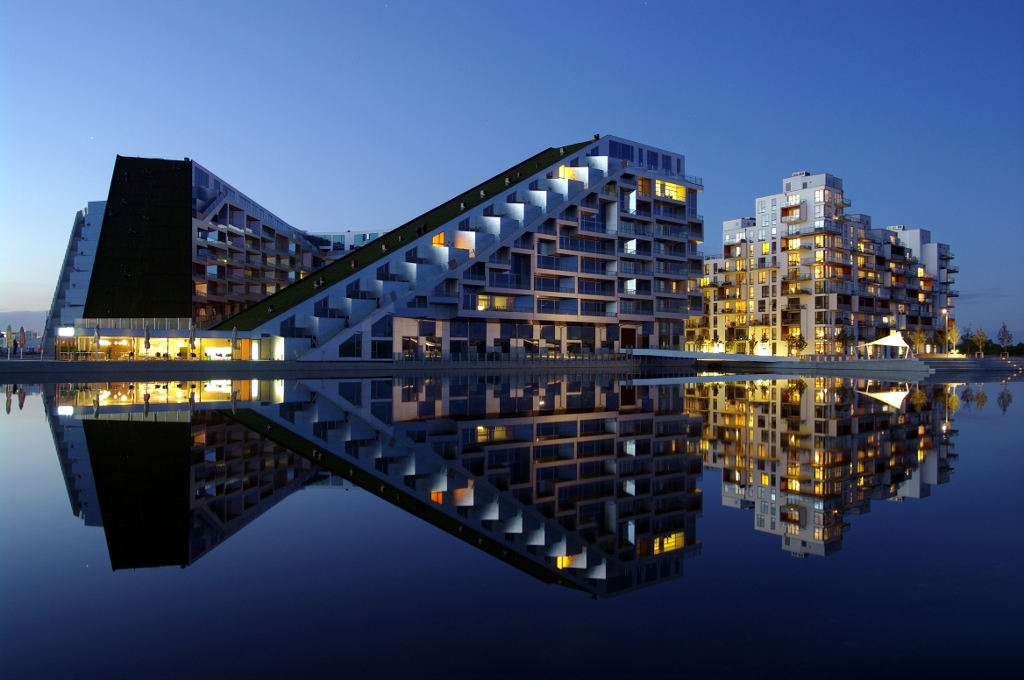"""openyourap's Photos - Travel, Cityscapes & Streets - """"The 8 House"""""""