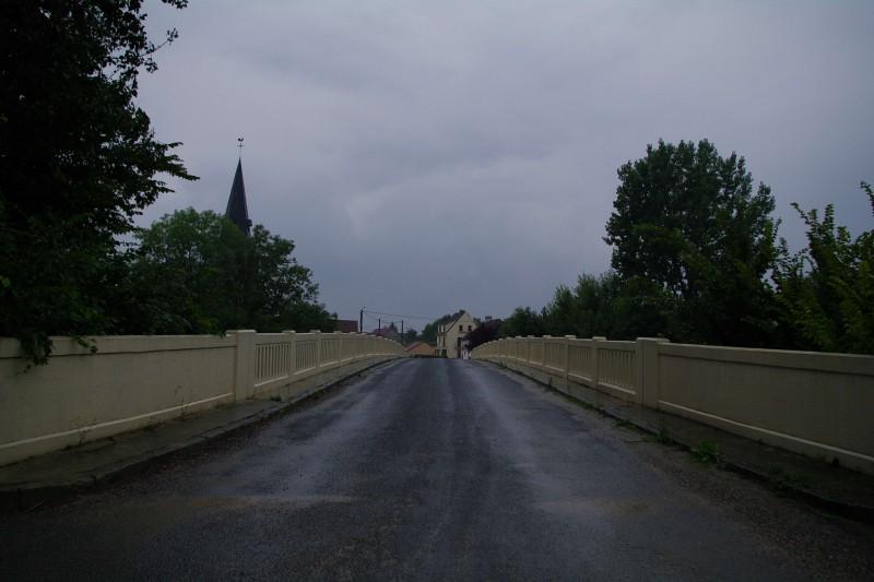Le pony et l'église d'Aulnay