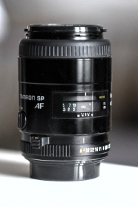 Tamron SP AF 90mm F/2.5 Macro 1:2 (52EP)